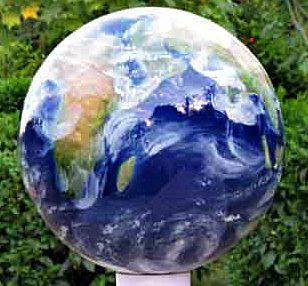 Earth Gazing Balls And Mirror Ball And Globe Pedestals